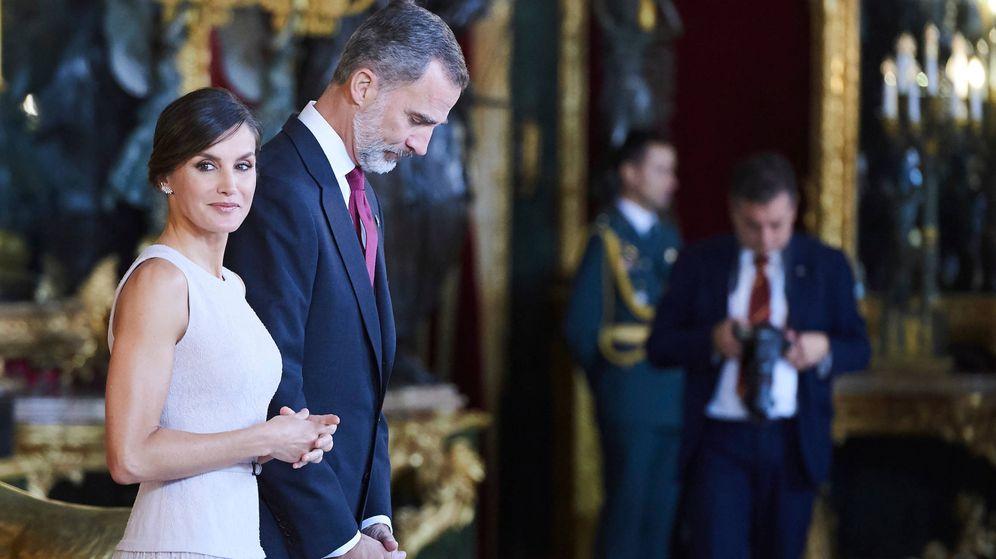 Foto:  Los Reyes, en el Palacio Real. (Limited Pictures)