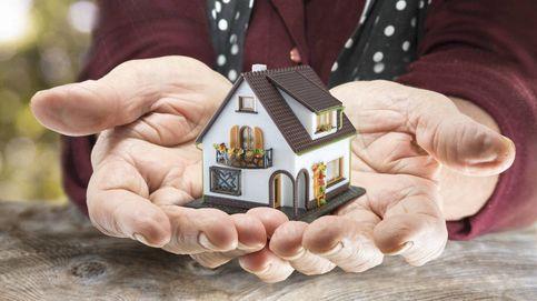 Si fallece mi madre y heredo su casa, ¿cómo puedo pagar menos impuestos?