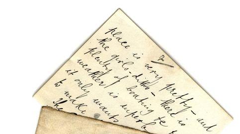 Una carta llega al buzón 100 años después de su envío