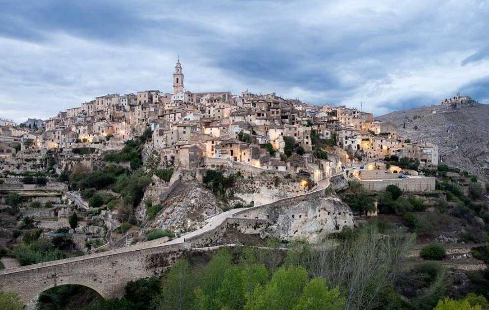 Foto: Bocairent es un pueblo excavado en la roca. (Turismo Bocairent. ©J. Bernat)