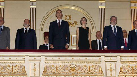 Los Reyes, en el palco del Teatro Real a pesar de Letizia