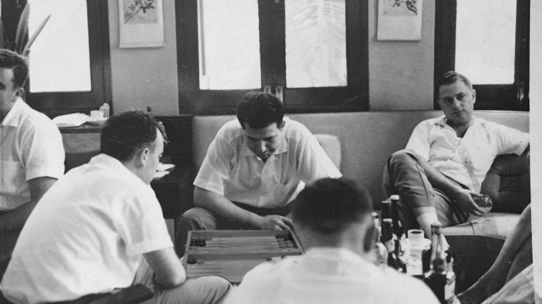 El abuelo de Zaki Djemal, jugando al backgammon en su juventud