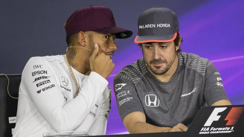 Lewis Hamilton y Fernando Alonso en una imagen de archivo. (EFE)