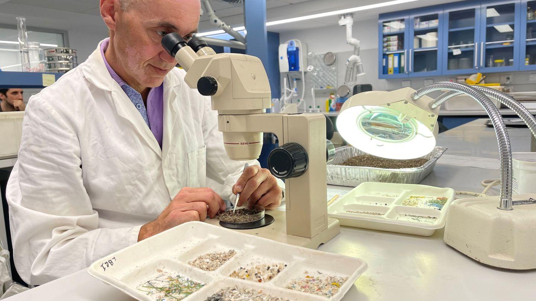 Investigación de microplásticos en la Universidad de Sídney. Reuters