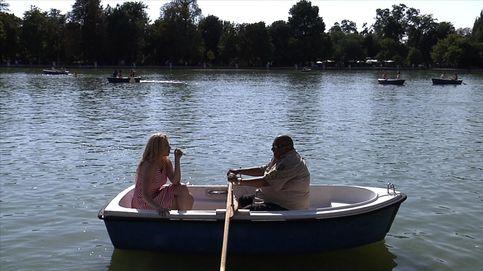 King África nos lleva en barca en plena ola de calor: así es la operación de riesgo