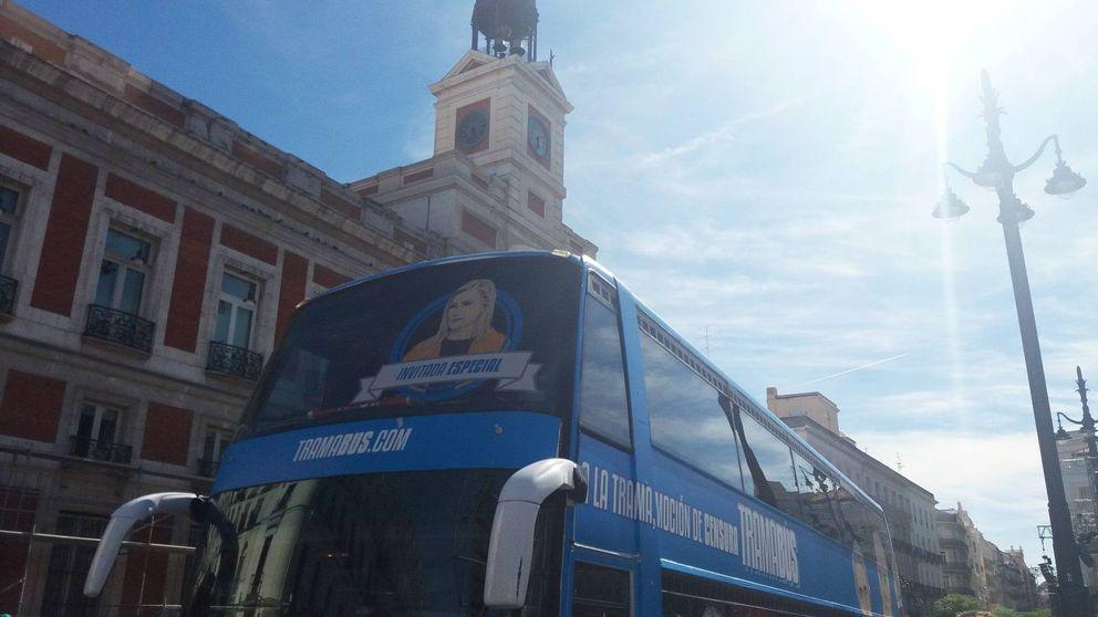 El 'tramabús' incluye una imagen de Cifuentes para su cierre de gira en Sol