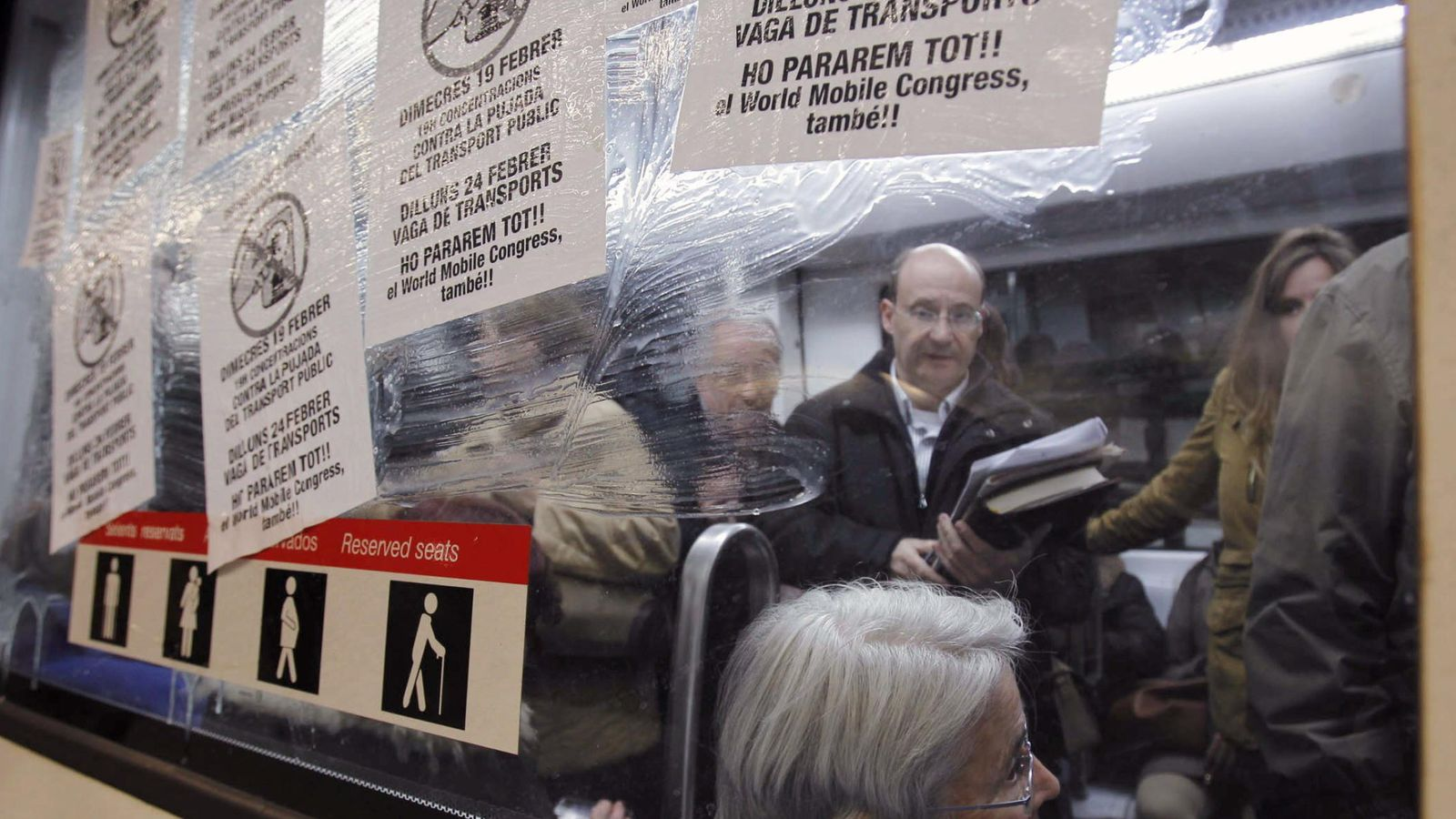 Foto: Imagen de 2014 durante una retención de los convoyes del metro de Barcelona. (EFE)