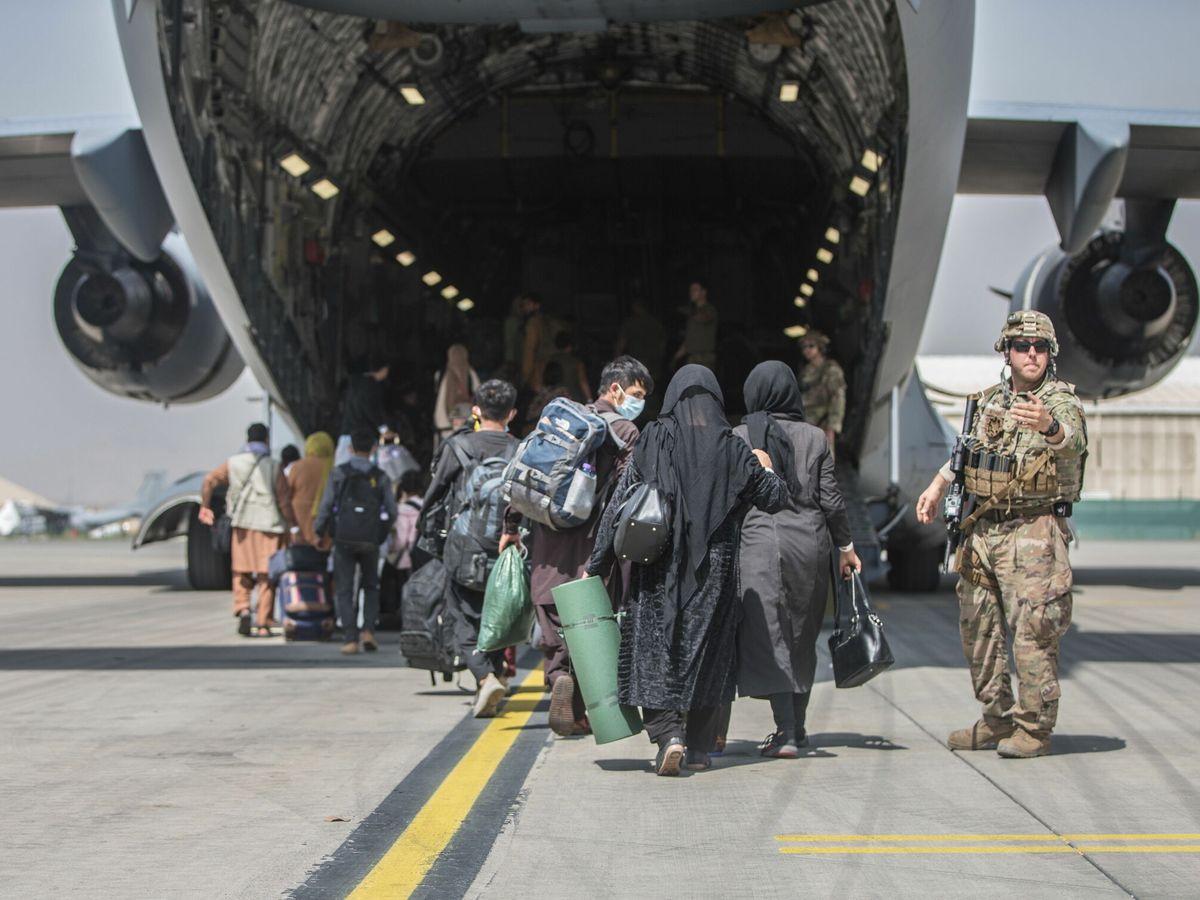 Foto: Evacuación estadounidense del aeropuerto de Kabul. (EFE)