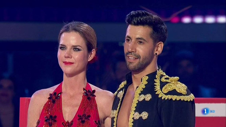 Bustamante y Yana, finalistas de 'Bailando con las estrellas', que expulsa a Amelia Bono