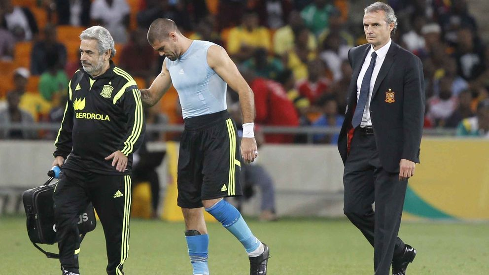 Víctor Valdés se rompe y deja temblando la portería del Barcelona