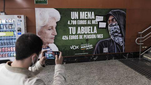 Elecciones Madrid   Ayuso rechaza el cartel de Vox, que ha aparecido hoy vandalizado