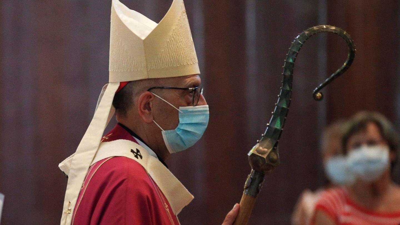 El cardenal Juan José Omella durante la celebración en la Sagrada Familia de la misa sin autorización de Procicat. (EFE)