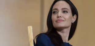 Post de Angelina escandaliza a los británicos por reunirse con un arzobispo sin sujetador