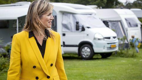 Máxima desempolva (otra vez) su archiconocido traje amarillo de Zara