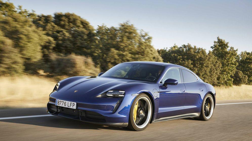 Foto: Muy bajo, muy potente y ligero, con el centro de gravedad también muy bajo le convierten en un coche excepcional.