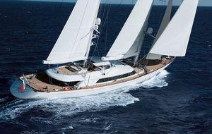 A la venta el velero en el que Murdoch y Pedro Jota compartieron confidencias