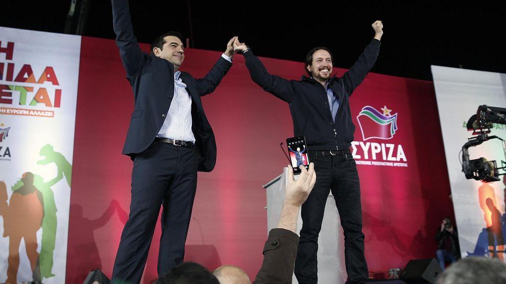 Podemos ante el espejo de Syriza: 'plan de rescate', auditoría y camisa