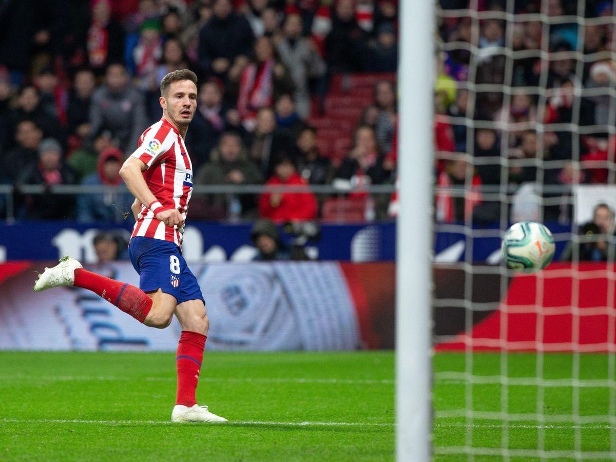 Foto: Saúl Ñíguez anotando un gol en Liga ante Osasuna, en diciembre. (EFE)