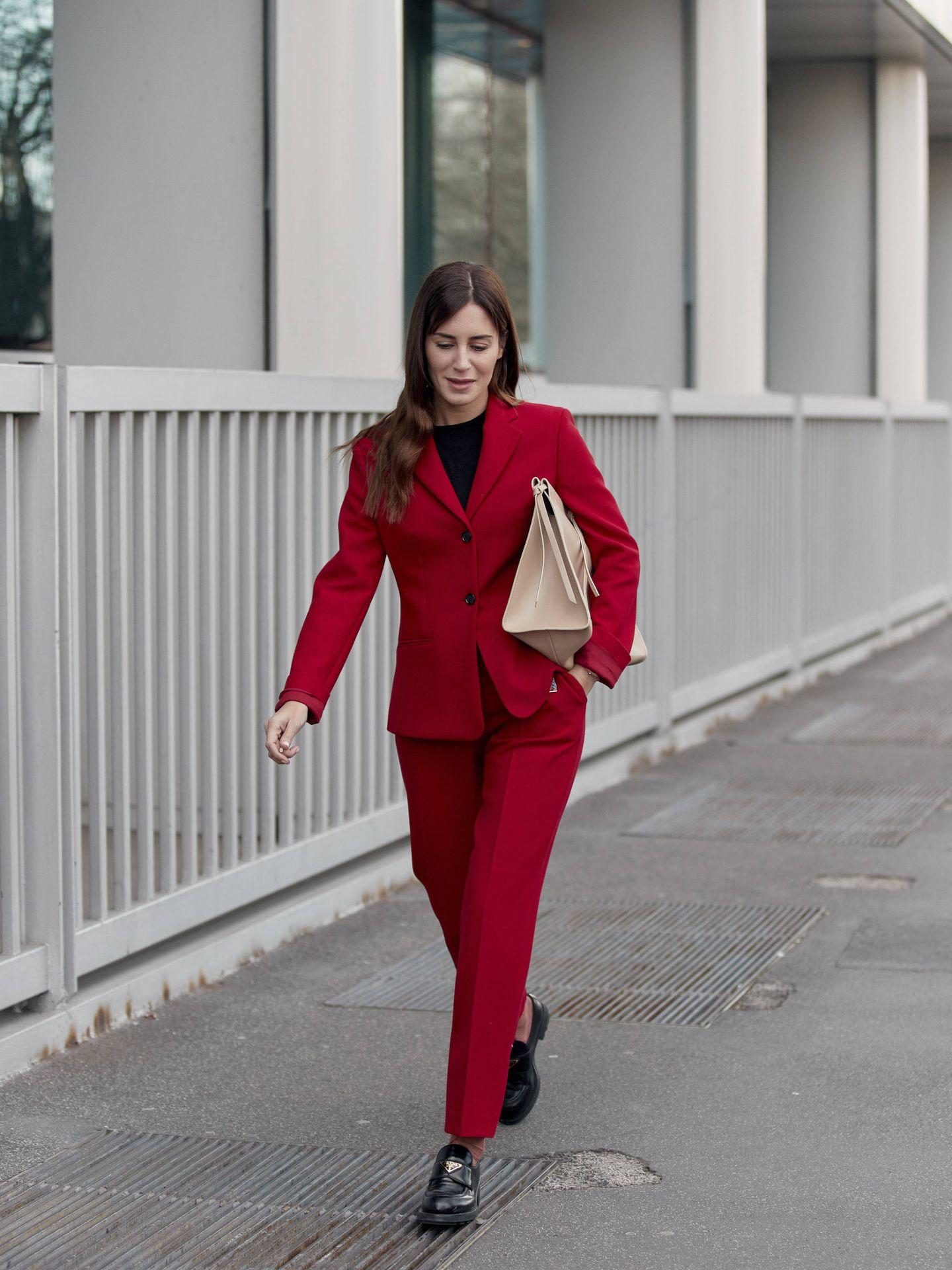 Gala González y su look de trabajo. (Imaxtree)