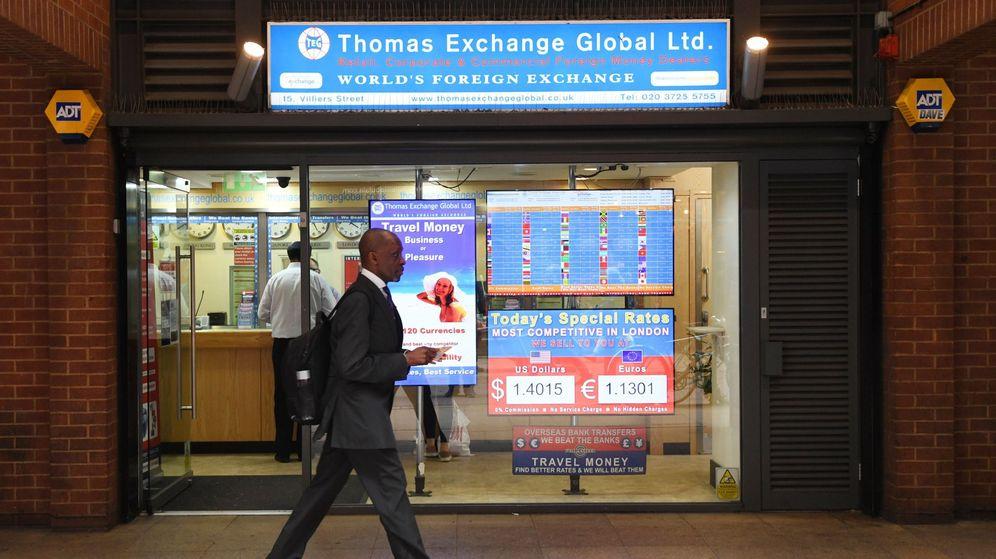 Foto: Una casa de cambio en Londres, en una imagen de archivo. (EFE)