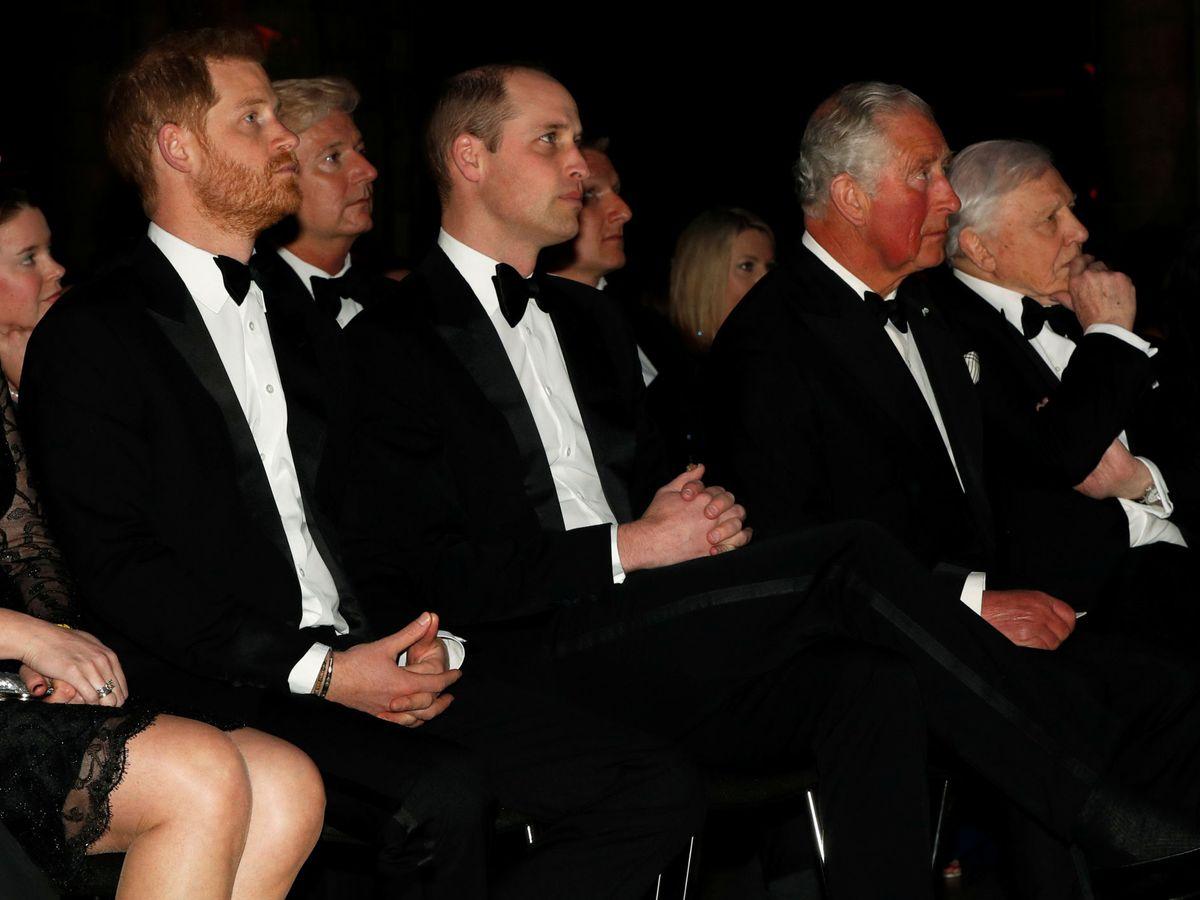 Foto: El príncipe Harry, con su hermano y su padre en una imagen de archivo. (Reuters)