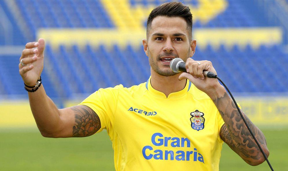 Foto: Vitolo pagó los 36 millones de euros de su cláusula para dejar el Sevilla. (EFE)