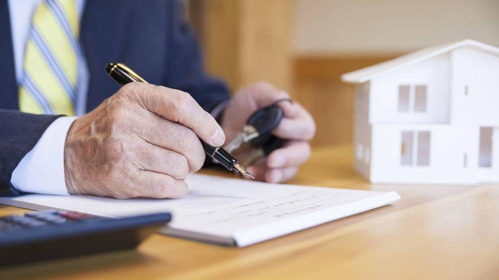 Foto: ¿Puedo desgravarme de la hipoteca si no figuro en las escrituras de la misma? (iStock)