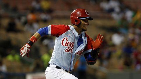 Desertan dos estrellas del béisbol cubano en la República Dominicana