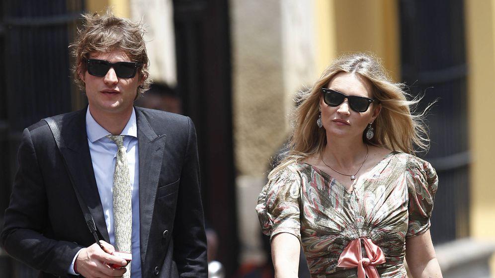 Foto:  Kate Moss, con su novio, en Perú. (Getty)