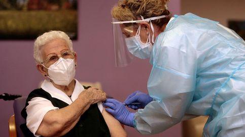La primera vacunación contra el covid de España, en imágenes