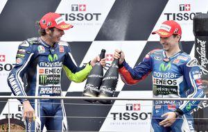 Si Márquez se va al suelo, la verdadera alternativa es Rossi