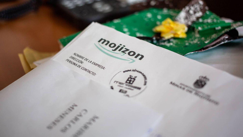 Un albarán de Mojizon, en la mesa de un empleado municipal. (Fernando Ruso)