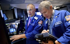 Wall Street se colma de ventas, pese al buen dato del sector servicios