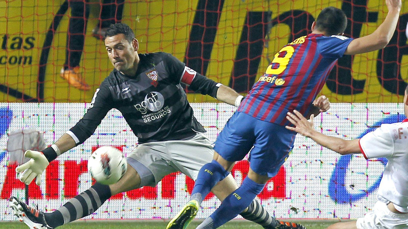 Foto: Andrés Palop durante un partido de liga en su etapa con el Sevilla (Efe)