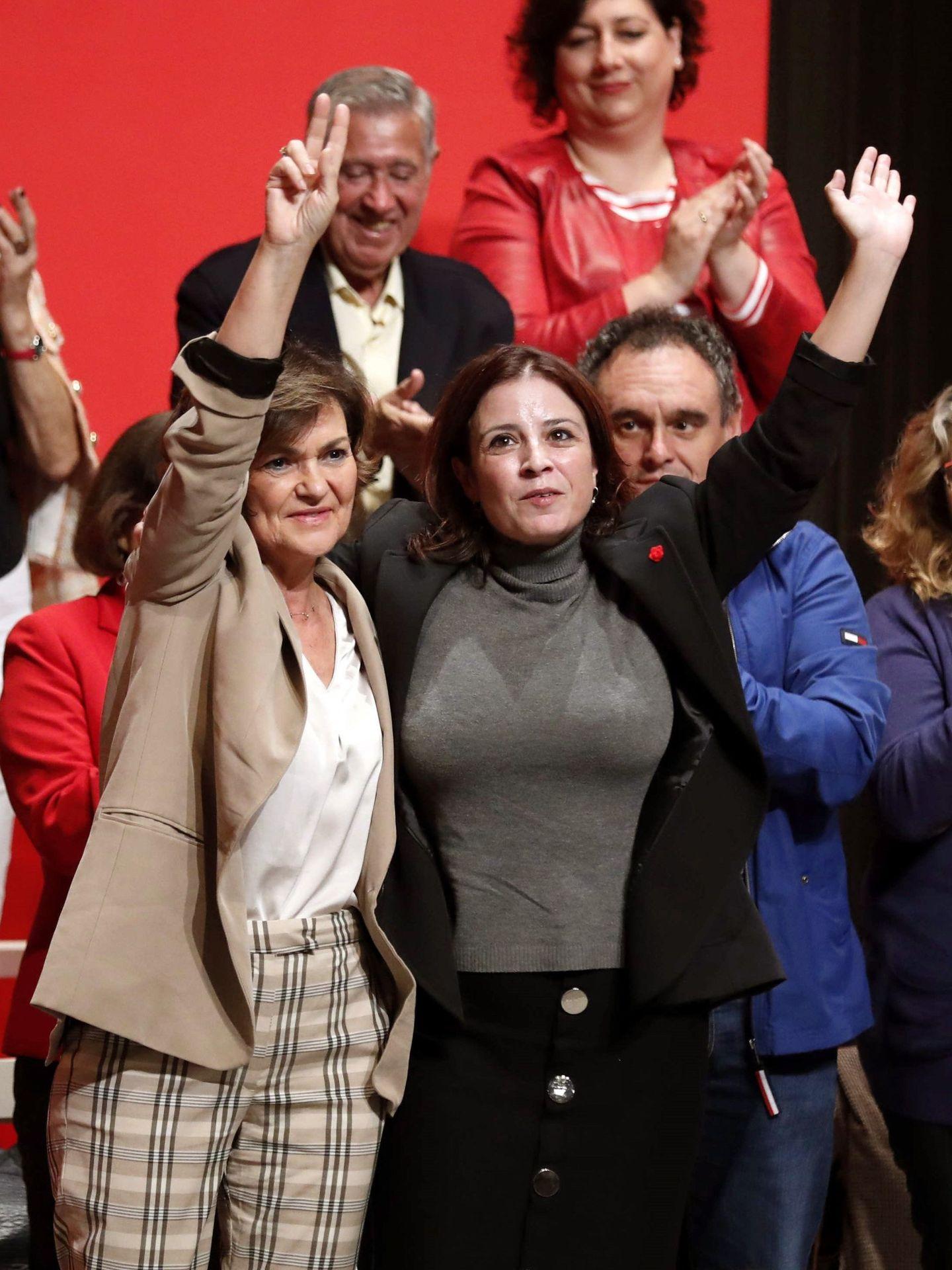 Carmen Calvo y Adriana Lastra, en un mitin de campaña del 10-N en Gijón el pasado 27 de octubre. (EFE)