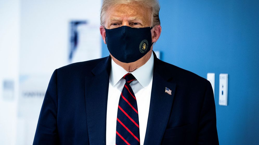 Foto: El presidente de EEUU, con mascarilla. (Reuters)