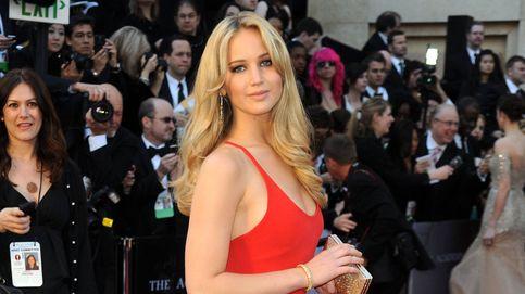 El vestido rojo que mejor sienta a rubias (y a morenas) es de Pull and Bear