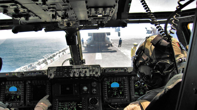 A bordo del USS Bataan (LHD 5). Cabina del Osprey preparando el despegue (Juanjo Fernández)