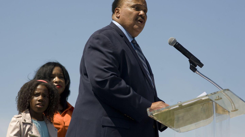 Martin Luther King, con su mujer, Andrea Waters, y su hija Yolanda. (EFE)