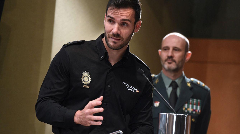 Saúl Craviotto deja la piragua y vuelve a la comisaría de Policía en el estado de alarma