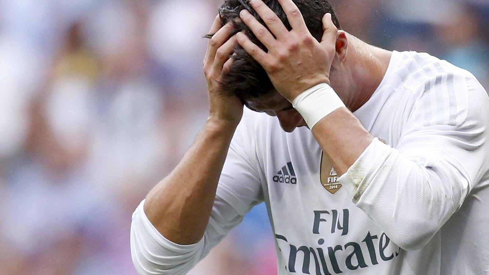 Foto: Cristiano se lamenta tras fallar una ocasión de gol (REUTERS)