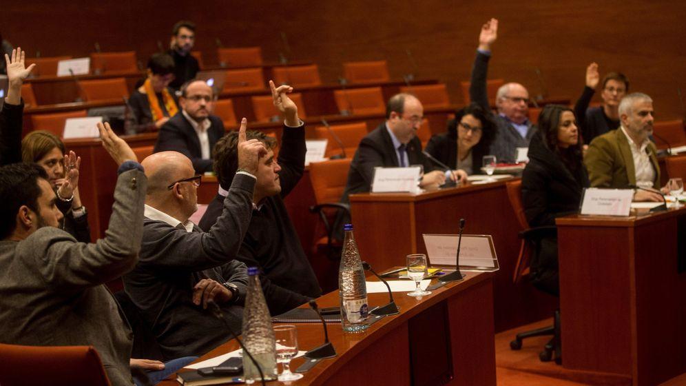 Foto: El Parlament recurrirá el 155 ante el TC con el apoyo de JxSí y SíQueEsPot. (EFE)