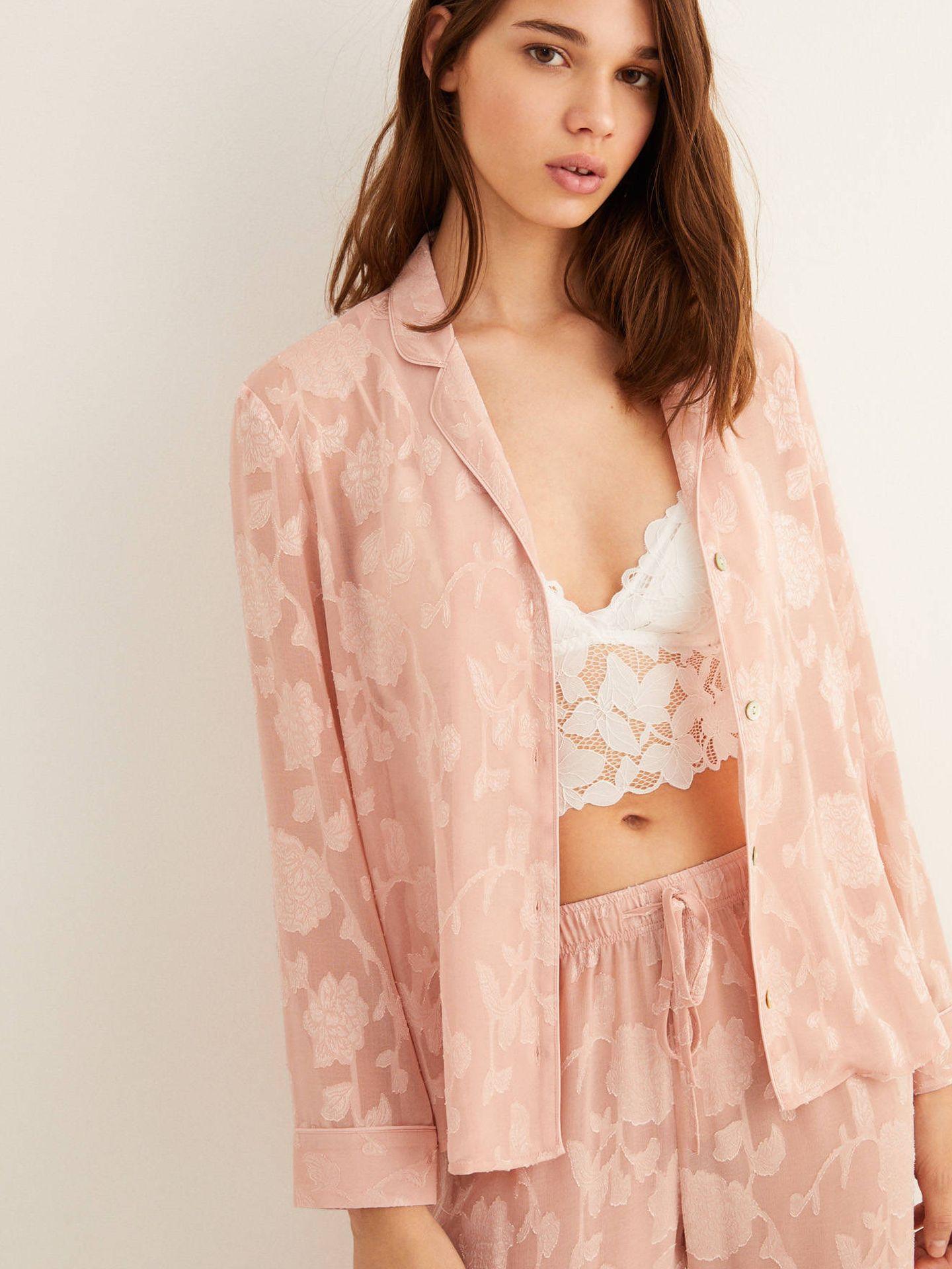 Este pijama largo de Women'secret cuesta 32 euros (Cortesía)