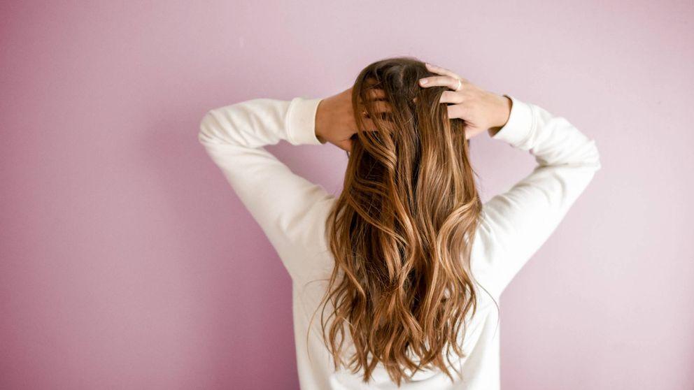 ¿Te pica la cabeza? Cuida el cuero cabelludo para evitar la caída del pelo