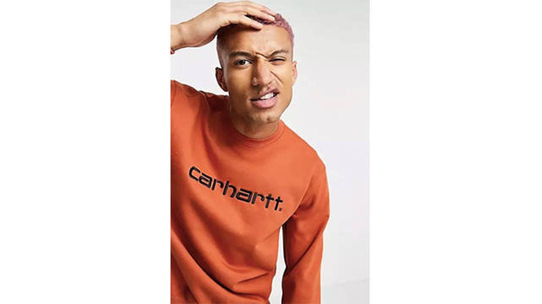 Sudadera color canela con logo de Carhartt WIP