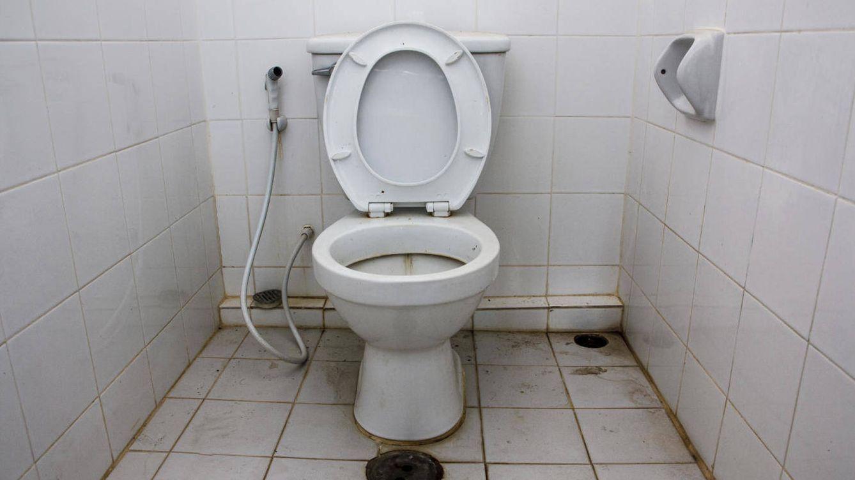 El peligro del lavabo público: cómo puedes evitar infecciones