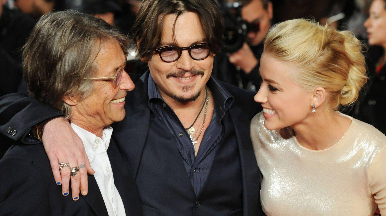 Bruce Robinson, Johnny Depp y Amber Heard, en la première británica de 'Los diarios del ron'. (Getty)