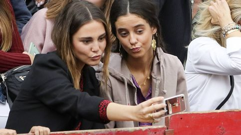 Victoria Federica lo da todo en la plaza para ver a Gonzalo Caballero