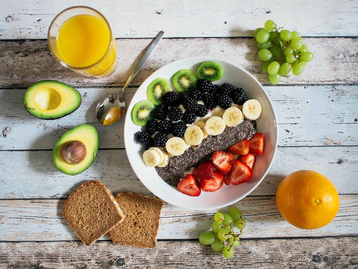 Foto: Esto le pasa a tu cuerpo si dejas de comer fruta. (Jannis Brandt para Unsplash)