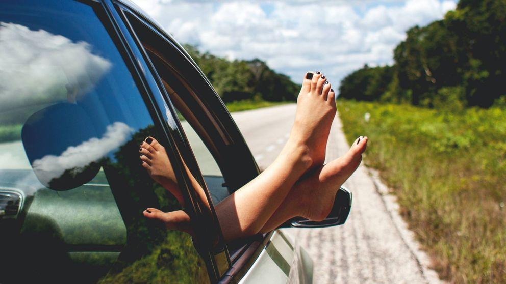 Prepárate para lucir sandalias con estas mascarillas para pies secos de Amazon